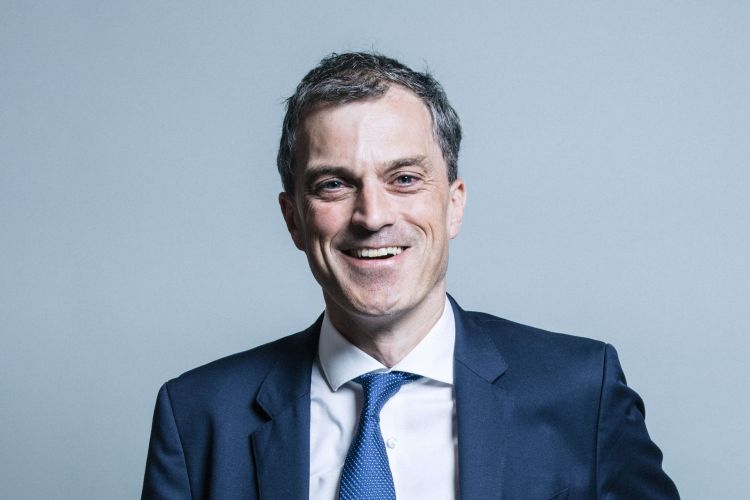 Official portrait of Julian Smith MP