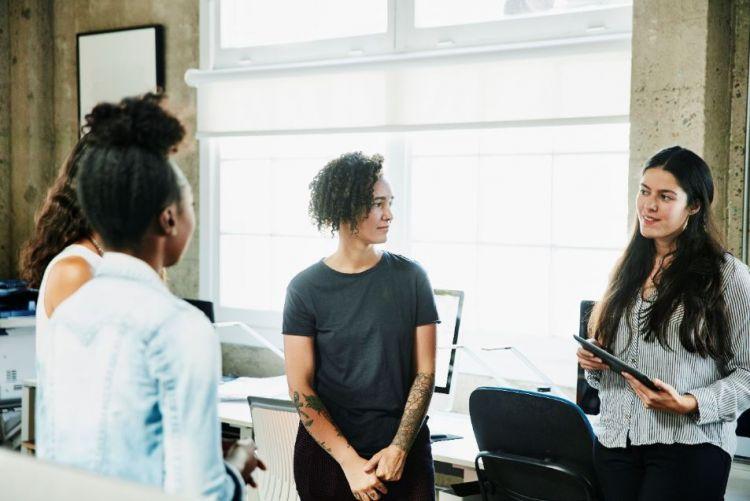 Women in team meeting